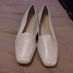 Beige Designer leather Loafers size 8.5 Narrow